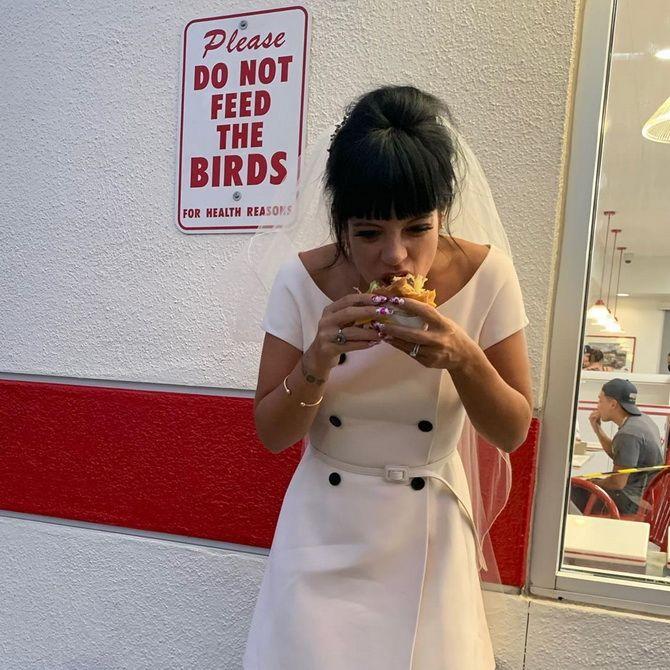 Незвичайне весілля Лілі Аллен у Лас-Вегасі: несправжній Елвіс і бургери на церемонії 4