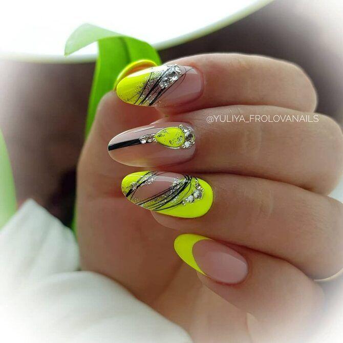 Павутинка на нігтях: ефектні дизайни 2020–2021 25