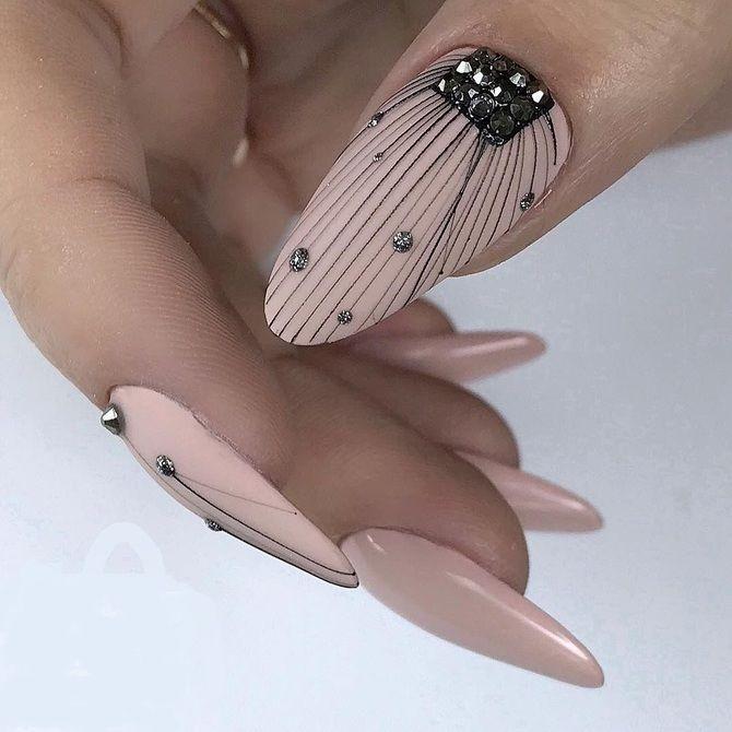 Павутинка на нігтях: ефектні дизайни 2020–2021 56