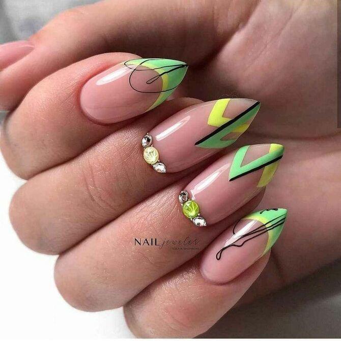 Павутинка на нігтях: ефектні дизайни 2020–2021 57
