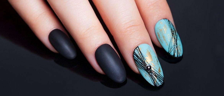 Павутинка на нігтях: ефектні дизайни 2020–2021
