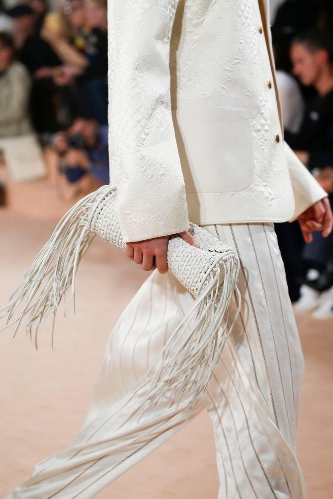 Сумки з бахромою – модний тренд осінь-зима 2020 2021 15