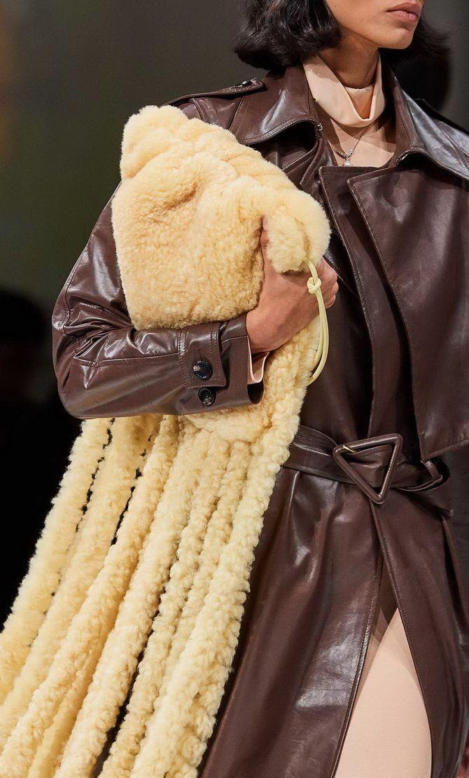 Сумки з бахромою – модний тренд осінь-зима 2020 2021 13