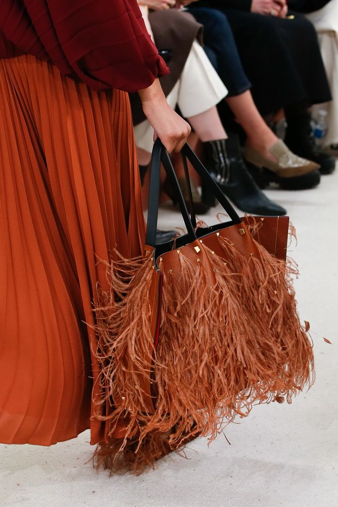 Сумки з бахромою – модний тренд осінь-зима 2020 2021 26