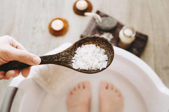 Ухоженные пяточки без проблем: домашние ванночки от трещин и мозолей 5