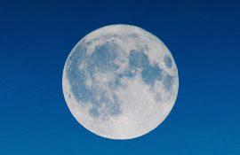 Голубая Луна: чего ожидать от Полнолуния 31 октября 2020 года?