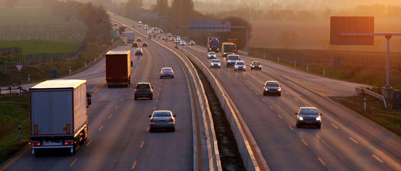 День автомобилиста – поздравления водителям в прозе, стихах и картинках