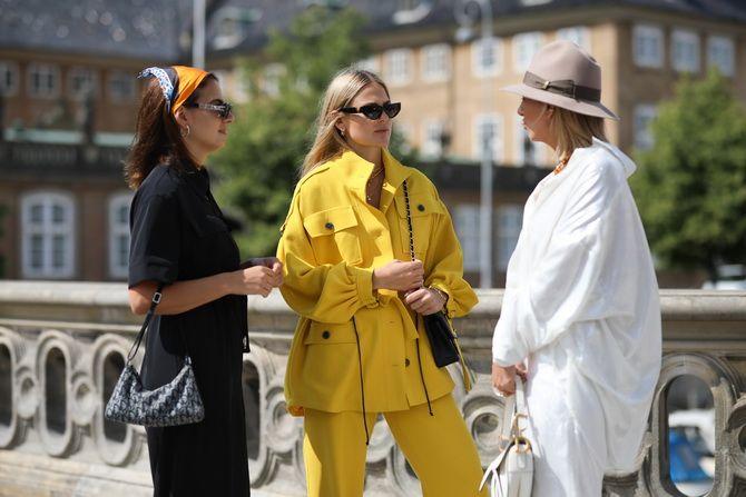 Жіночі головні убори 2021: хустки, капелюхи, берети, панами та кепі 1