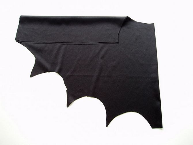 Batman повертається: як зробити костюм кажана на Геловін 7