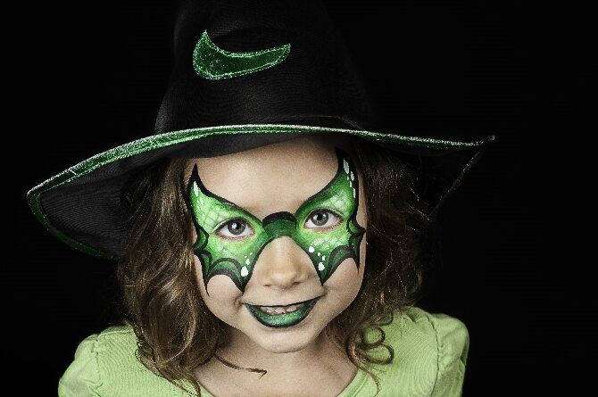 Страшно, весело и ярко: 20+ крутых идей макияжа для детей на Хэллоуин – фото, мастер-классы на видео 12