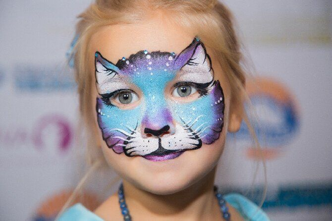 Страшно, весело и ярко: 20+ крутых идей макияжа для детей на Хэллоуин – фото, мастер-классы на видео 17