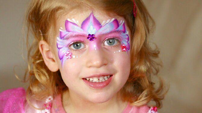 Страшно, весело и ярко: 20+ крутых идей макияжа для детей на Хэллоуин – фото, мастер-классы на видео 8