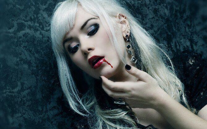 До последней капли крови: самый крутой макияж вампира на Хэллоуин, который можно легко сделать дома – секреты, идеи, фото 12