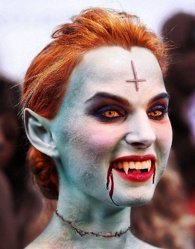 До последней капли крови: самый крутой макияж вампира на Хэллоуин, который можно легко сделать дома – секреты, идеи, фото 16