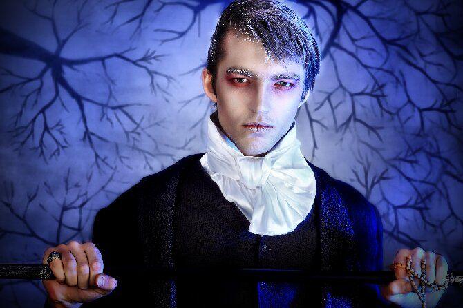 До последней капли крови: самый крутой макияж вампира на Хэллоуин, который можно легко сделать дома – секреты, идеи, фото 27
