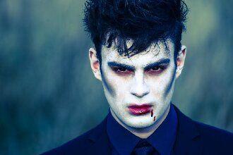 До останньої краплі крові: найкрутіший макіяж вампіра на Геловін, який можна легко зробити вдома — секрети, ідеї, фото 3