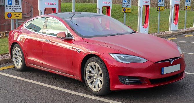 Конкуренты наступают: Илон Маск дважды за неделю снизил цену на Tesla Model S 1