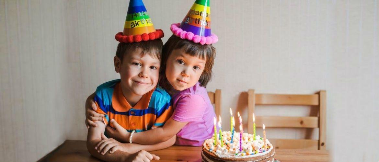 Привітання з Днем народження брату у віршах, прозі, красиві листівки