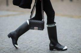 Модные резиновые сапоги 2021, которые справятся с любым ливнем