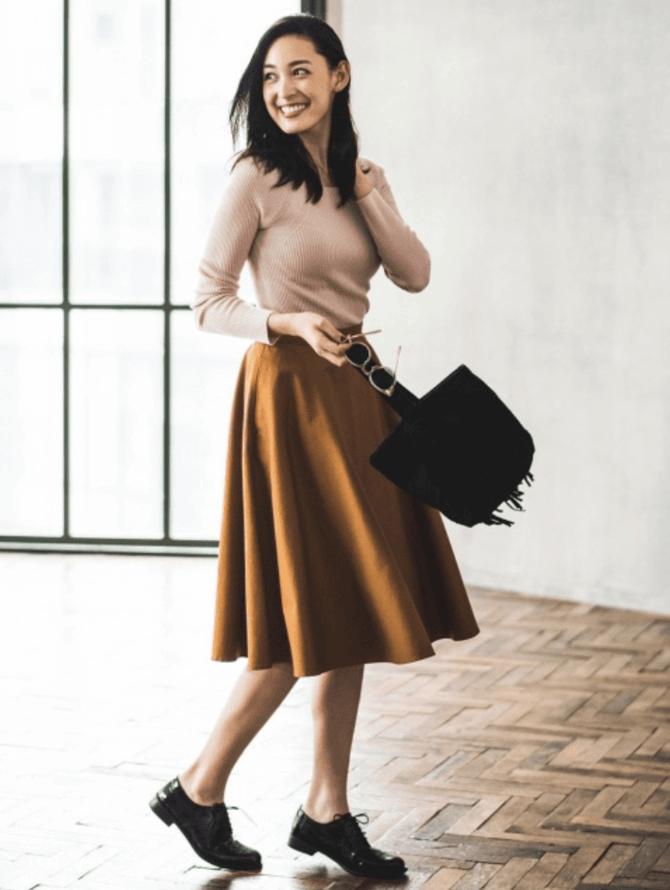 C чем носить шерстяную юбку в 2020 году 34