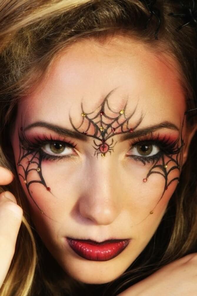 61 жуткая, но красива идея макияжа на Хэллоуин 2020 44