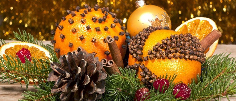 Новогодний декор из мандаринов: 7 необычных идей