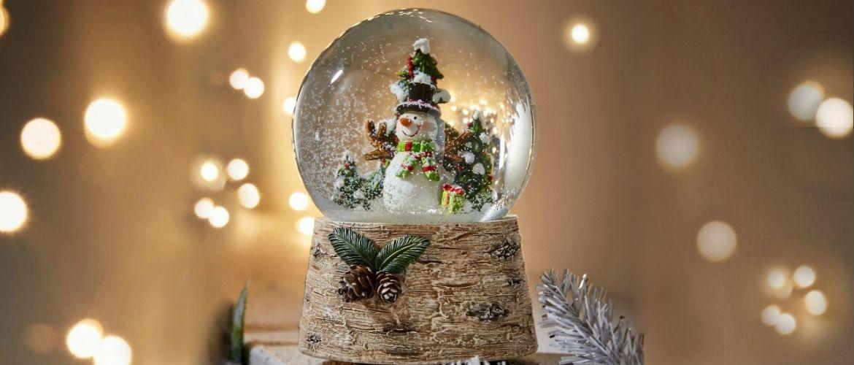 Сніжна куля своїми руками: як зробити новорічне диво