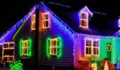 Кращі ідеї з фото, як прикрасити дах і фасад будинку на Новий рік 2021