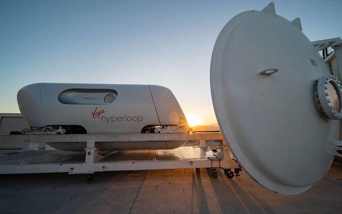 «Гіперпетля майбутнього»: надшвидкісний потяг Hyperloop вперше перевіз пасажирів 4