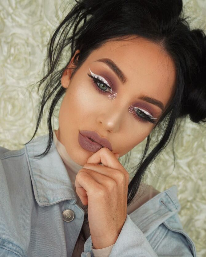 Горячий тренд 2020: хитрости макияжа с белым карандашом 15