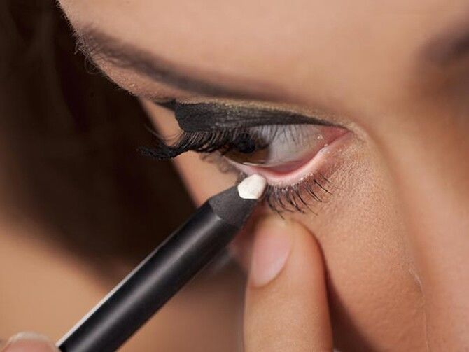 Горячий тренд 2020: хитрости макияжа с белым карандашом 3