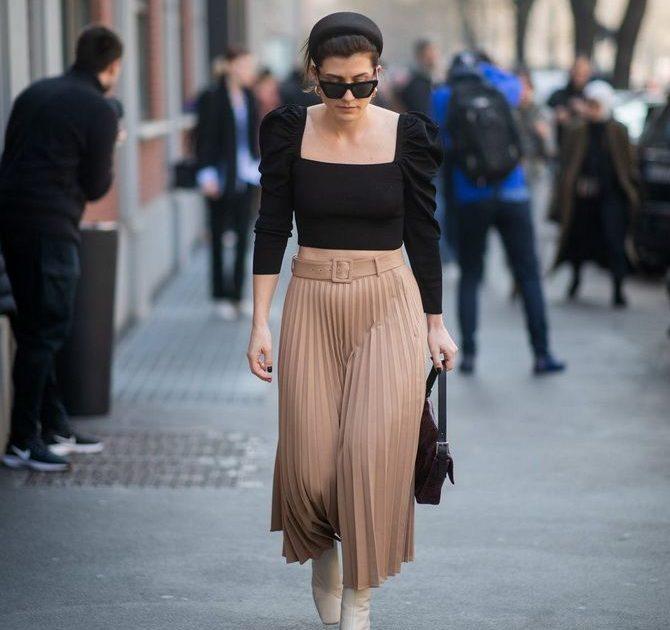 С чем носить блузы с объемными рукавами 14