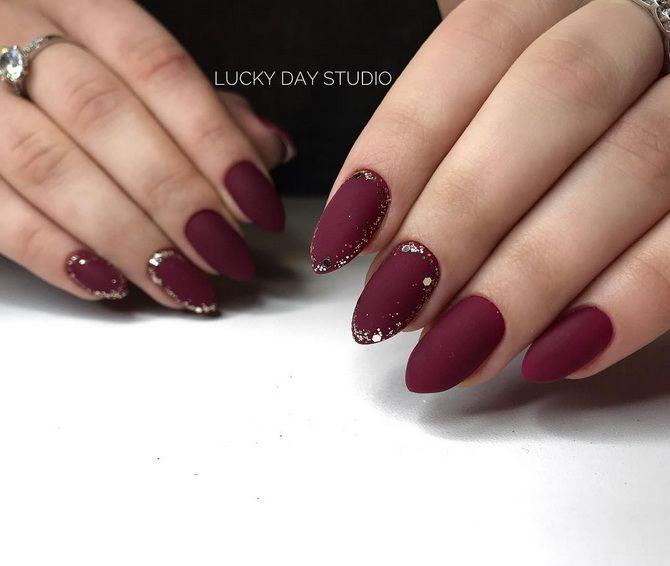 Бордовый дизайн ногтей на холодный сезон 13