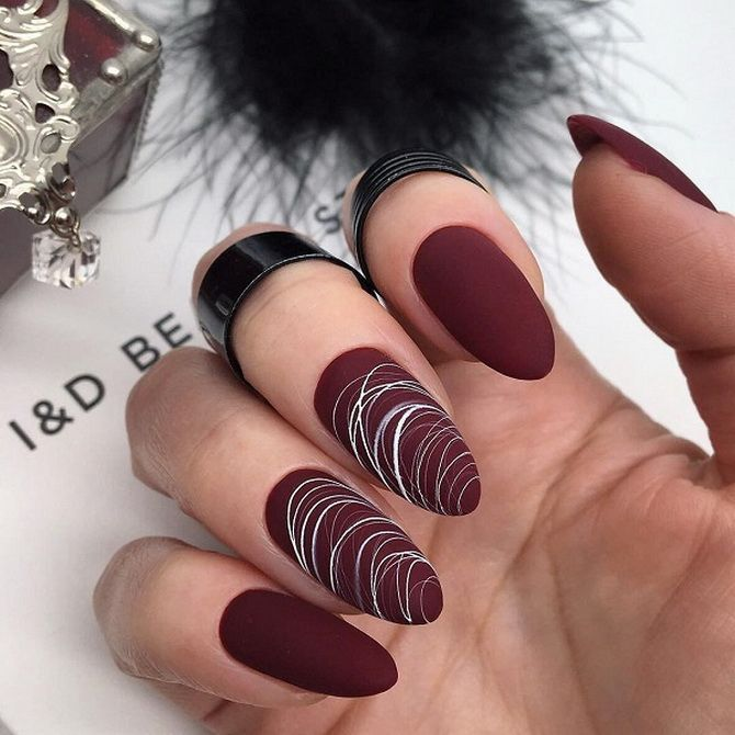 Бордовый дизайн ногтей на холодный сезон 15