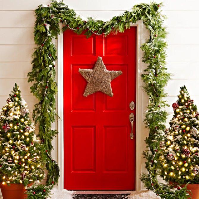 Лучшие идеи, как красиво и оригинально украсить двери на Новый год 2021 2