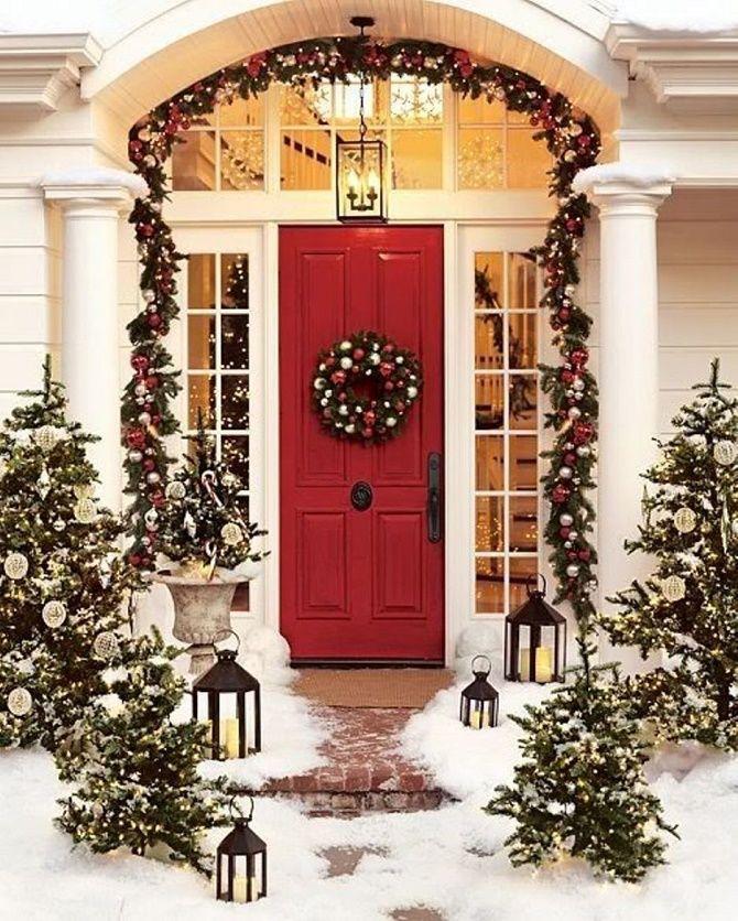 Лучшие идеи, как красиво и оригинально украсить двери на Новый год 2021 9