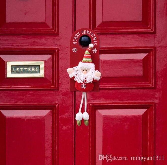 Лучшие идеи, как красиво и оригинально украсить двери на Новый год 2021 10