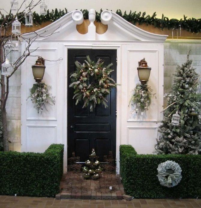 Лучшие идеи, как красиво и оригинально украсить двери на Новый год 2021 14