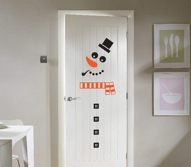 Лучшие идеи, как красиво и оригинально украсить двери на Новый год 2021 16