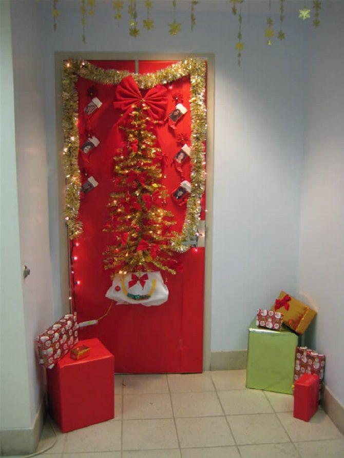 Кращі ідеї, як красиво і оригінально прикрасити двері на Новий рік 2021 20
