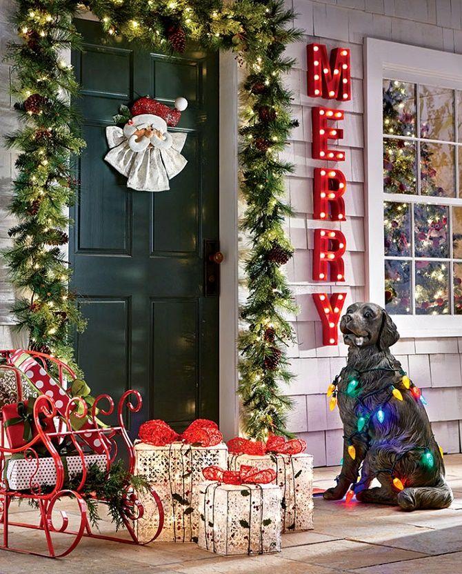 Лучшие идеи, как красиво и оригинально украсить двери на Новый год 2021 26