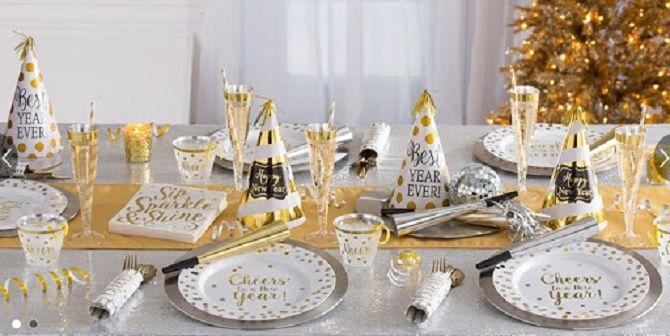 Як прикрасити новорічний стіл: кращі ідеї декору для зустрічі 2021 року 15