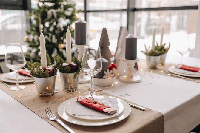 Як прикрасити новорічний стіл: кращі ідеї декору для зустрічі 2021 року 18