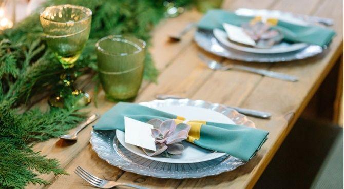Як прикрасити новорічний стіл: кращі ідеї декору для зустрічі 2021 року 24