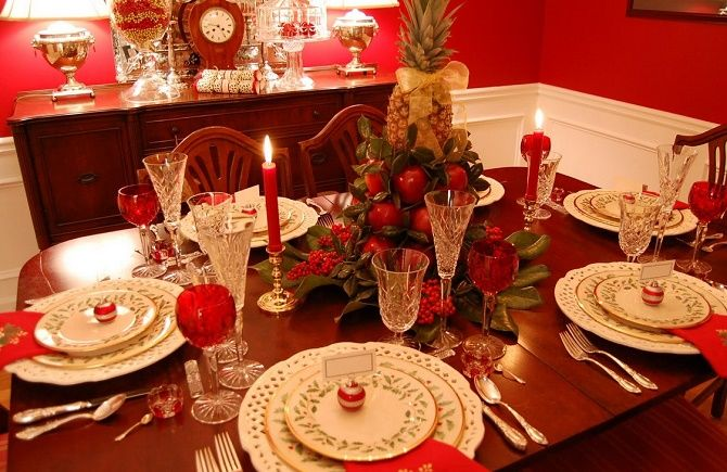 Як прикрасити новорічний стіл: кращі ідеї декору для зустрічі 2021 року 31