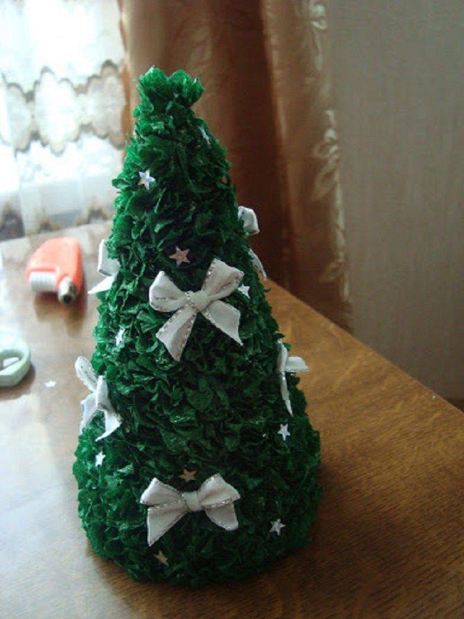 Необычная елка из бумаги своими руками на Новый год 2021: лучшие идеи 3