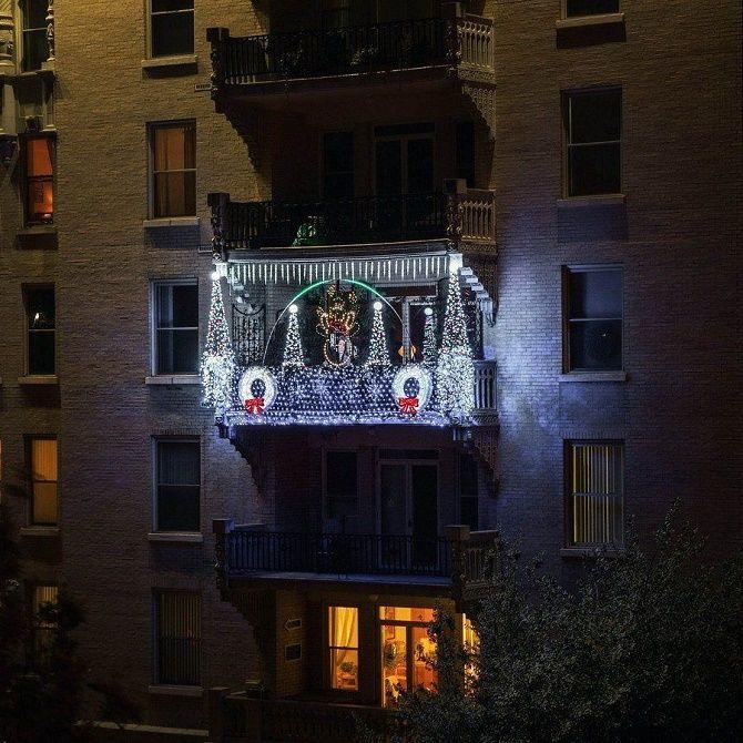 Крутые идеи, как украсить балкон на Новый год 2021 5