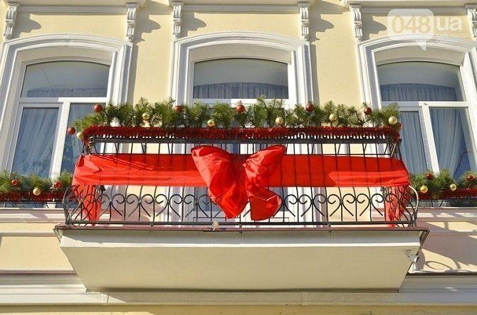 Крутые идеи, как украсить балкон на Новый год 2021 7