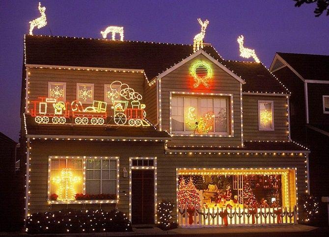 Лучшие идеи с фото, как украсить крышу и фасад дома на Новый год 2021 2
