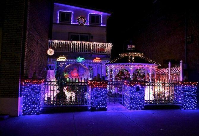 Кращі ідеї з фото, як прикрасити дах і фасад будинку на Новий рік 2021 5